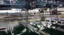 Het testen van een drijvende opvangarm door Ocean Cleanup, november 2015