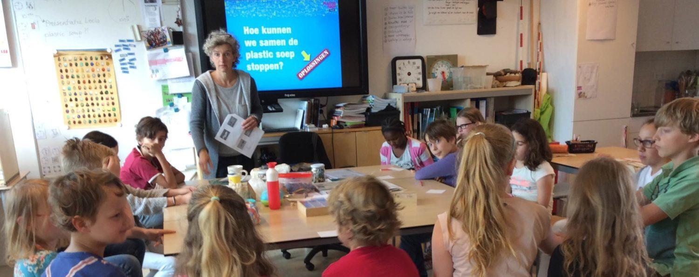 Gastles op basisschool over Plastic Soup