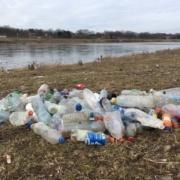 Op 9 maart gevonden flessen langs de Maas bij Maastricht