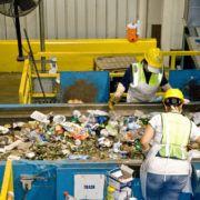 Werknemers in bouw en plasticindustrie riskeren meer gezondheidsproblemen