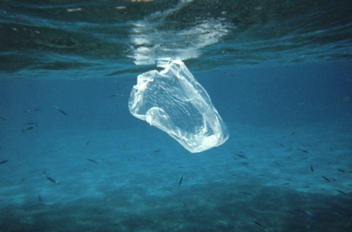 Wie bevrijdt de Middellandse Zee van plasticsoep?