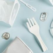 bedrijven verantwoordelijk wegwerpplastic